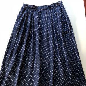 Vintage Pendleton navy and white polka dot skirt.